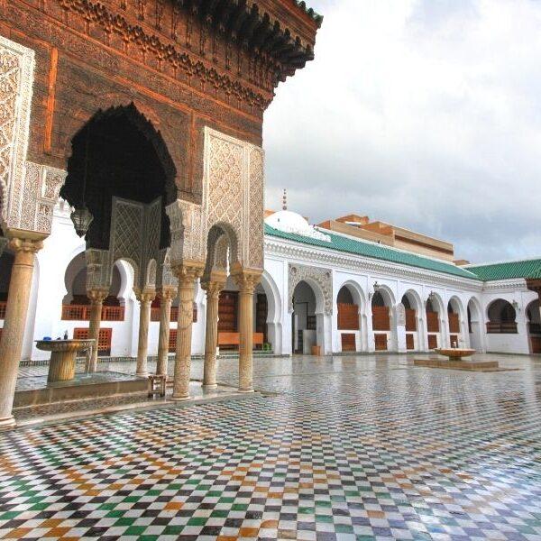 Viaggio per giovani in Marocco del Nord alla scoperta di città incantevoli