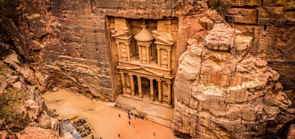 Viaggio organizzato in Giordania - Il tesoro di Petra dall'alto