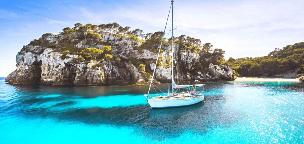 Viaggio nelle Cicladi in barca a vela