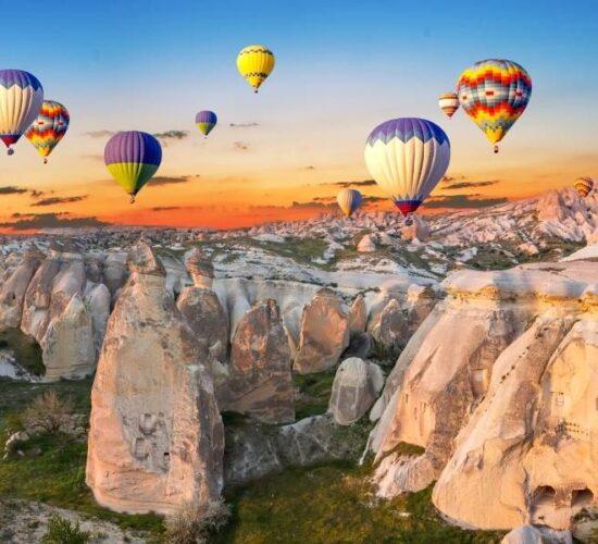 Viaggio di gruppo in Turchia in mongolfiera in Cappadocia